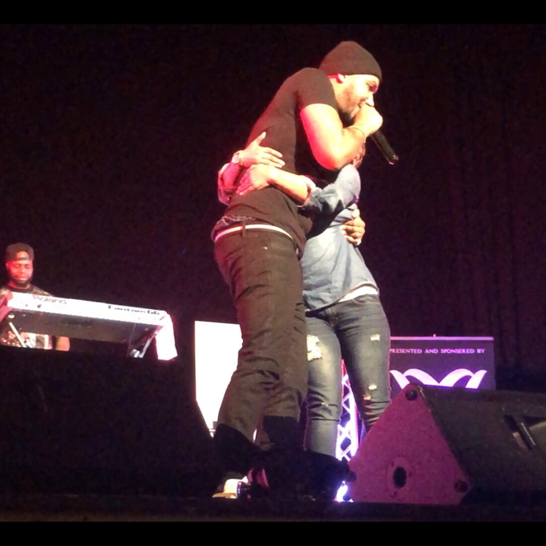 Lyfe Jennings invites a fan onstage for the song