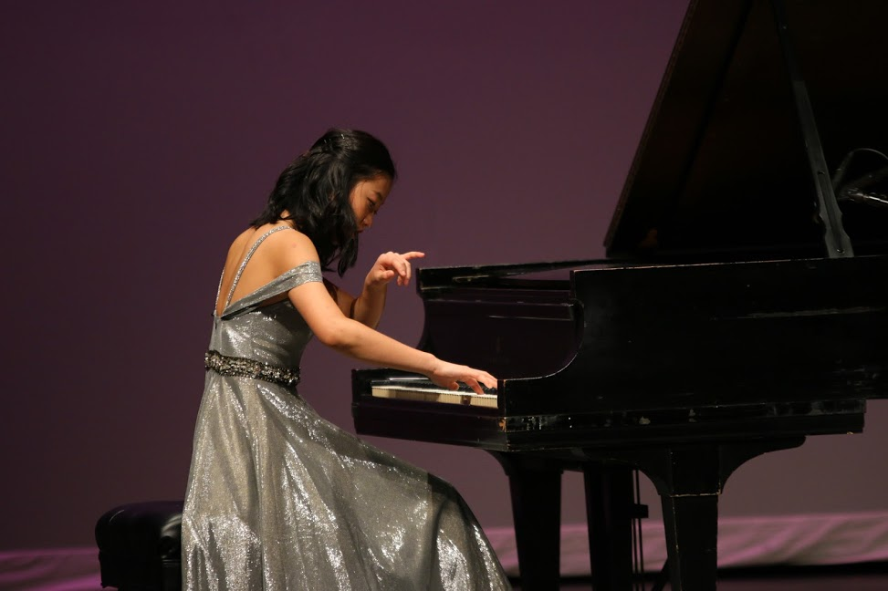 Feng showcased her skills on the piano for the 'talent' portion of DYW.