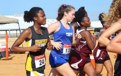 Cross Country Sprints to Starkville