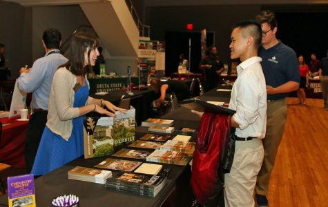 Students Flock to Annual College Fair