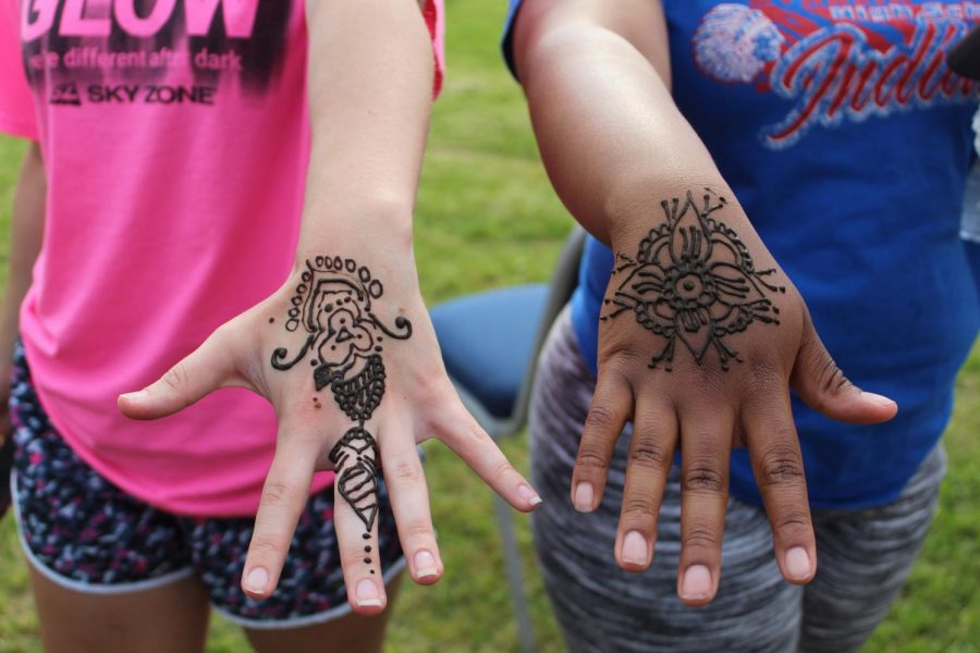 Henna+tattoos+were+a+hit+at+India%27s+booth.