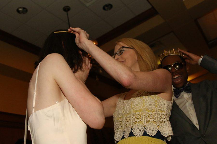 Dr. Kayla Hester crowns junior Andie Nanney Prom Princess.
