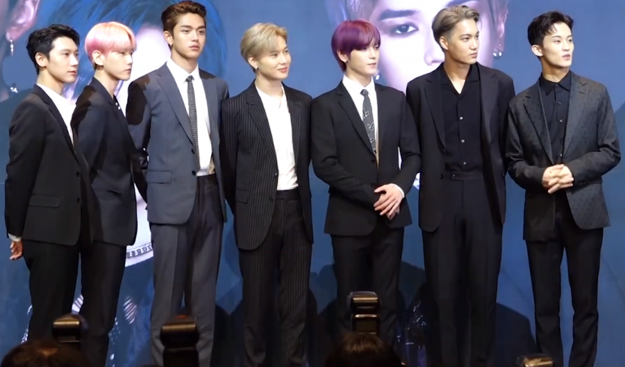 SuperM+members+at+a+launching+press+conference.+%28from+left+to+right%29+Ten%2C+Baekhyun%2C+Lucas%2C+Lee+Tae-min%2C+Taeyong%2C+Kai+and+Mark+Lee