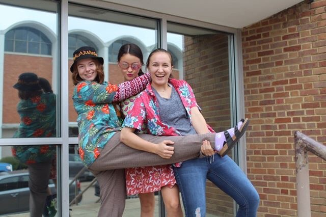 Students dress up for tacky day!
