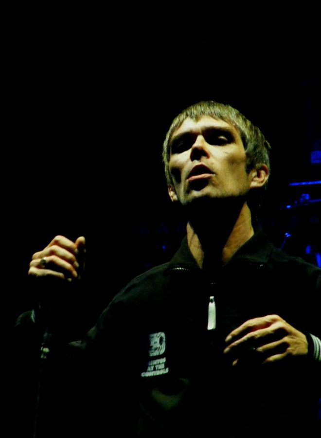 Ian Brown's latest song aims to be an anthem for the anti-vax and anti-mask movement.