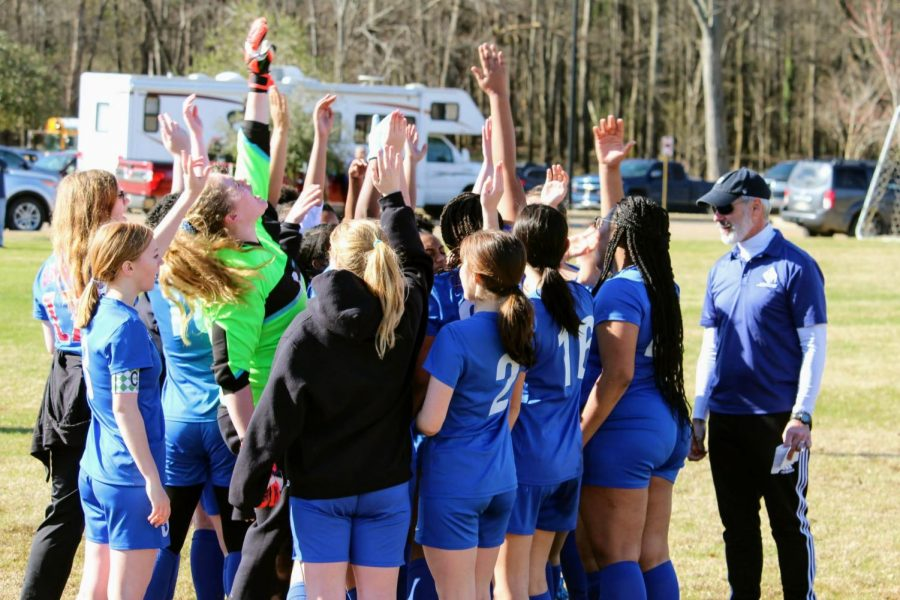 Despite+current+circumstances%2C+the+Lady+Waves+continue+to+train+and+have+high+hopes+for+their+season.