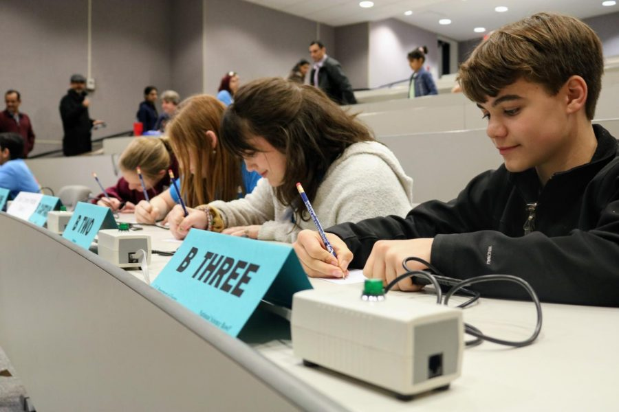 Competing virtually this year, both MSMS Science Bowl teams faced difficulties yet scored a significant amount of points in the end.