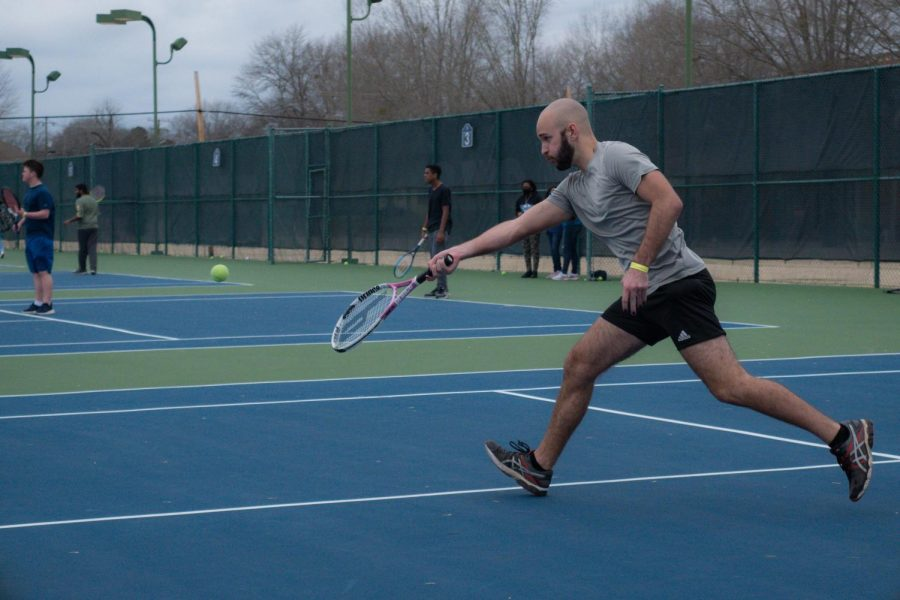 Students swing into tennis season with student-led tournament