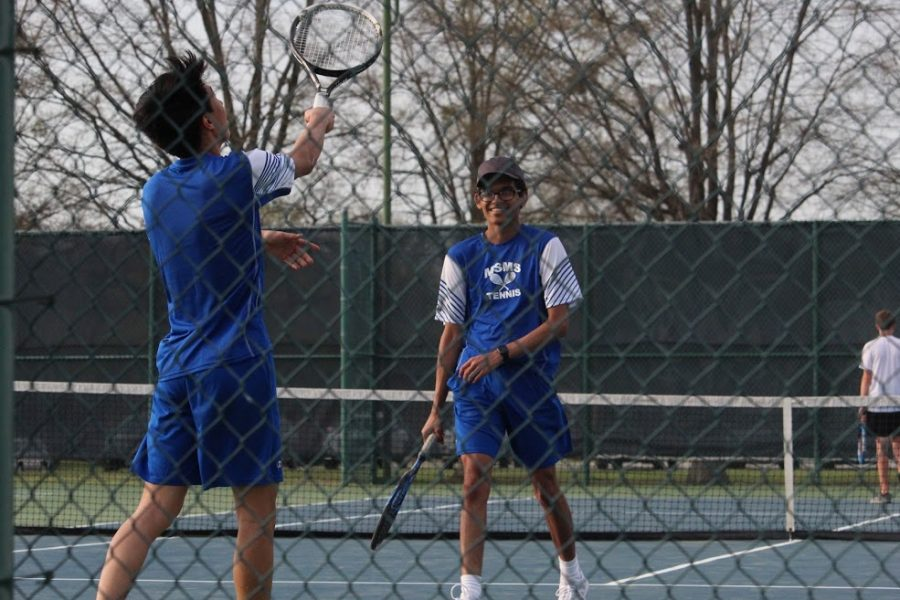 Seniors+Michael+Lu+and+Shanay+Desai+prepare+for+their+upcoming+matches.+
